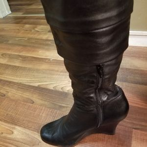 ALDO WOMENS HIGH HEELED BOOTS SZ 9.5